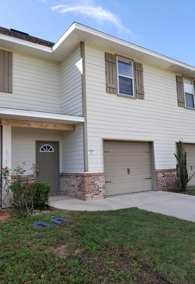 513 ARBOR LAKE DR, Crestview, FL 32536 - Photo 1
