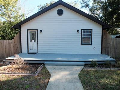 240 N 7TH ST, Defuniak Springs, FL 32433 - Photo 2