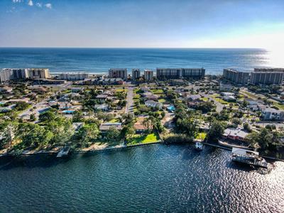 619 PELICAN DR, Fort Walton Beach, FL 32548 - Photo 1