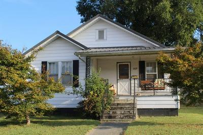 809 WASHINGTON AVE, Paintsville, KY 41240 - Photo 1