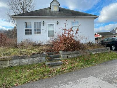 255 PINE ST, Paintsville, KY 41240 - Photo 1