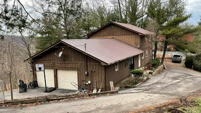 831 RIDGEWAY DR, Paintsville, KY 41240 - Photo 2