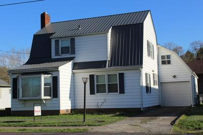 824 JEFFERSON AVE, Paintsville, KY 41240 - Photo 1