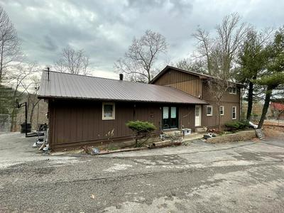 831 RIDGEWAY DR, Paintsville, KY 41240 - Photo 1