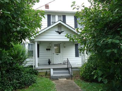 114 EUCLID AVE, Paintsville, KY 41240 - Photo 1