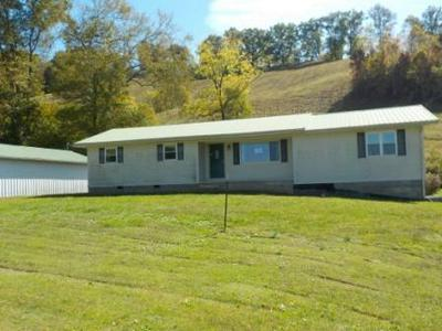 200 FINCH RD, West Liberty, KY 41472 - Photo 1