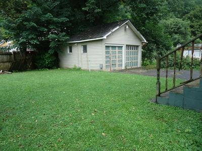 227 PRESTON ST, Paintsville, KY 41240 - Photo 2