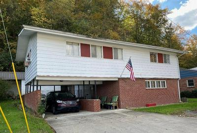 310 LINCOLN AVE, Paintsville, KY 41240 - Photo 1