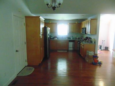 107 ROSE ST, Paintsville, KY 41240 - Photo 2