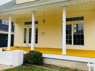 1115 MAPLE ST, Paintsville, KY 41240 - Photo 2
