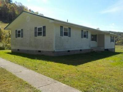 200 FINCH RD, West Liberty, KY 41472 - Photo 2