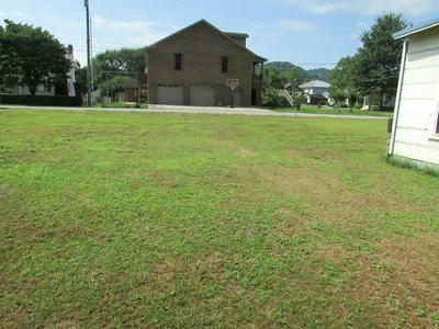 224 PRESTON ST, Paintsville, KY 41240 - Photo 2