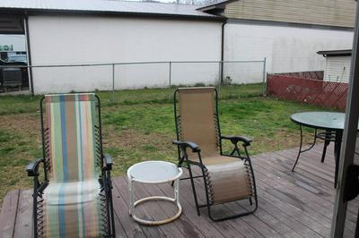 816 WASHINGTON AVE, Paintsville, KY 41240 - Photo 2