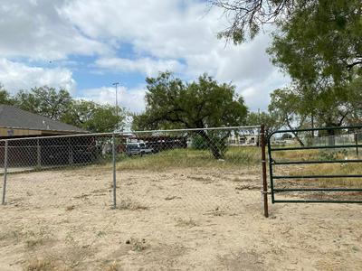 KIFURI ST., Eagle Pass, TX 78852 - Photo 2