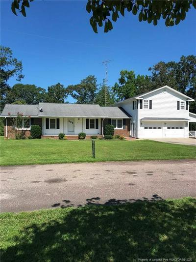 105 WALKER ST, Elizabethtown, NC 28337 - Photo 1