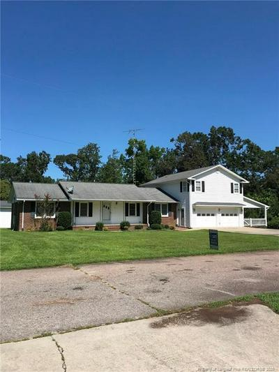 105 WALKER ST, Elizabethtown, NC 28337 - Photo 2