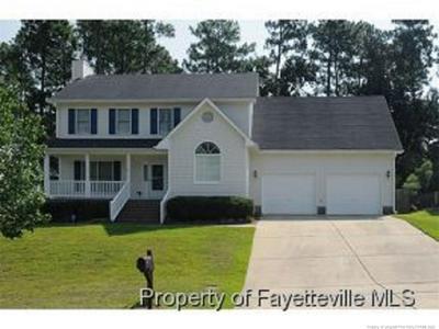 817 LARKSPUR DR, Fayetteville, NC 28311 - Photo 1