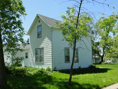 303 2ND ST SE, Hillsboro, ND 58045 - Photo 2