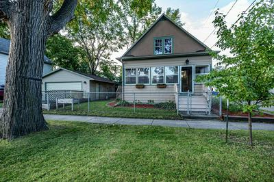 810 10TH AVE N, Fargo, ND 58102 - Photo 2