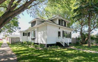 420 SPRUCE ST, Kindred, ND 58051 - Photo 2
