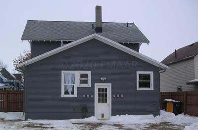 117 S 7TH ST, Oakes, ND 58474 - Photo 2