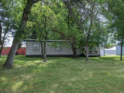 404 4TH ST SW, Forman, ND 58032 - Photo 2