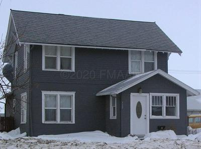 117 S 7TH ST, Oakes, ND 58474 - Photo 1