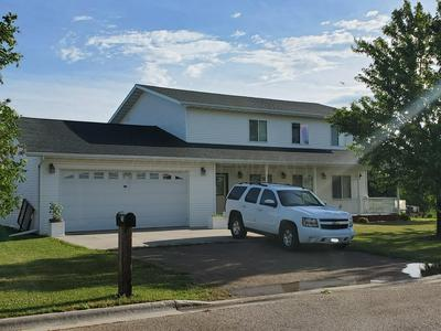 113 1ST AVE, Milnor, ND 58060 - Photo 2