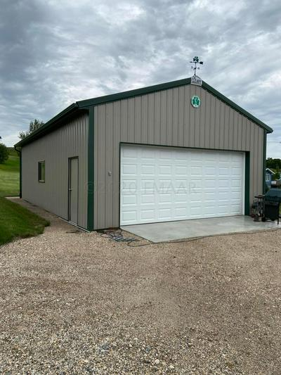2146 116G AVE SE, Rogers, ND 58479 - Photo 2