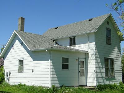 303 2ND ST SE, Hillsboro, ND 58045 - Photo 1
