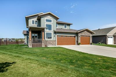 6135 MAPLE VALLEY DR S, Fargo, ND 58104 - Photo 2