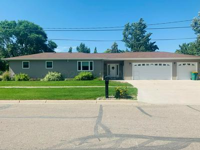 122 4TH AVE NW, Hillsboro, ND 58045 - Photo 1