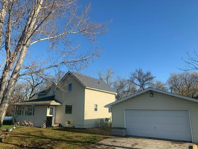 32 165TH AVE SE, Hillsboro, ND 58045 - Photo 2