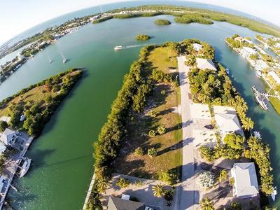 120 AVENUE E, MARATHON, FL 33050 - Photo 1