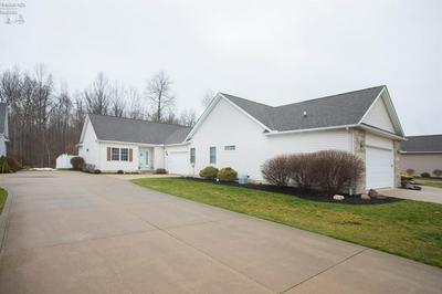 3974 HILLTOP DR, Vermilion, OH 44089 - Photo 2