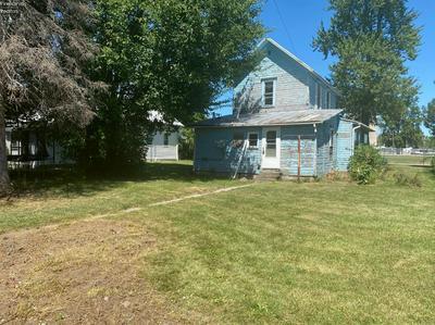 205 W KEMMERLING ST, Gibsonburg, OH 43431 - Photo 2