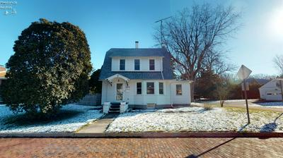 523 MEMORIAL PKWY, Fremont, OH 43420 - Photo 1
