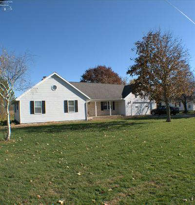 1371 SMITH RD, Fremont, OH 43420 - Photo 1