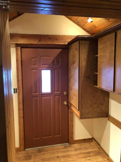 209 N LAKE ST, South Amherst, OH 44001 - Photo 2