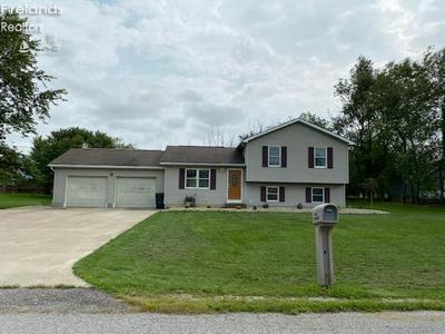 5 MAPLEWOOD DR, Greenwich, OH 44837 - Photo 1