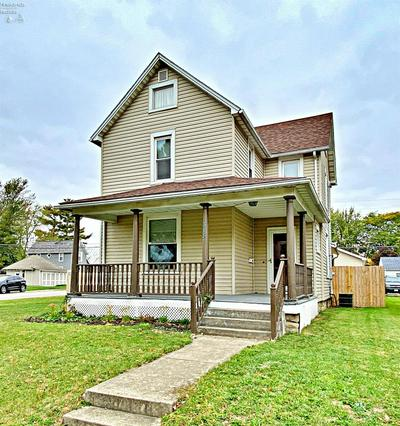 318 W PERRY ST, Tiffin, OH 44883 - Photo 2