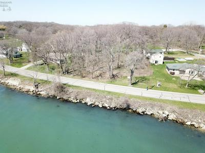 509 W LAKESHORE DR, Kelleys Island, OH 43438 - Photo 2