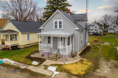 831 WOLFE AVE, Fremont, OH 43420 - Photo 1