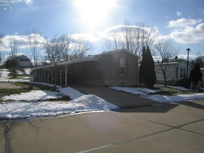 114 CAESARS CIR, Amherst, OH 44001 - Photo 2