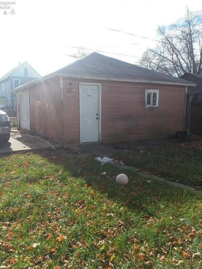 110 TYLER ST, Sandusky, OH 44870 - Photo 2