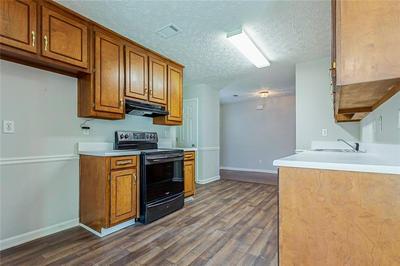 2950 HAMPTON VALLEY DR, Loganville, GA 30052 - Photo 2