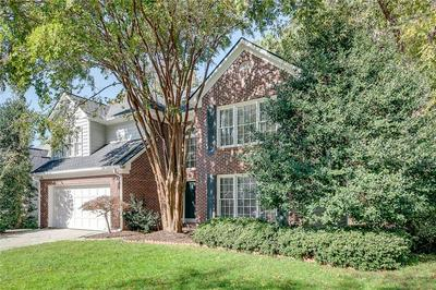 115 GLEN HOLLY DR, Roswell, GA 30076 - Photo 2