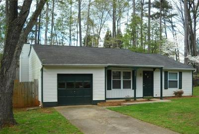 320 HEMBREE FOREST CIR, Roswell, GA 30076 - Photo 1