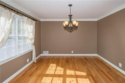 9400 N LAKE DR, Roswell, GA 30076 - Photo 2