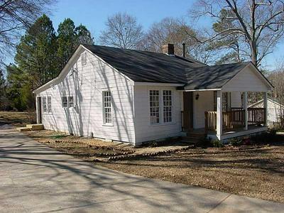 3858 MARTIN FARM RD, Suwanee, GA 30024 - Photo 1